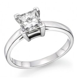 0.25Ct  Princess Cut Solitaire Diamond Engagement Ring set in 14K White Gold